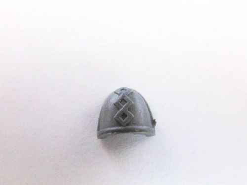 space marine command shoulder pad (c)